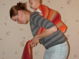 Как посадить ребенка на спину