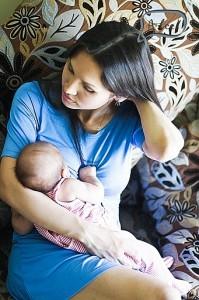 Одежда для кормления ребенка грудью - выбор современной мамы