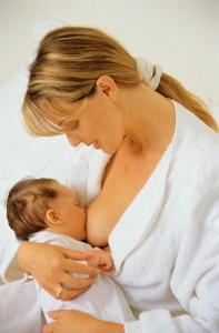 Кормление ребенка грудью - полезно, комфортно и бесплатно!